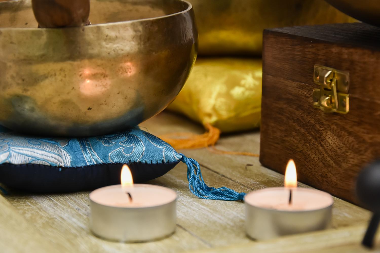 massage sonore aux bols chantants tib tains th rapeute psycho corporel et cabinet de massage. Black Bedroom Furniture Sets. Home Design Ideas